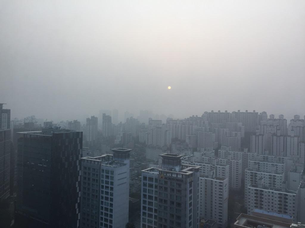 Sunny morning in Seoul